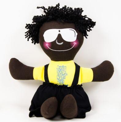 Boneco do Thalleco, para colocar no lugar da boneca da Aparecida.