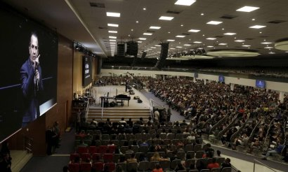 xO-pastor-evangelico-Silas-Malafaia-da-Assembleia-de-Deus-Vitoria-em-Cristo-num-culto.jpg.pagespeed.ic.6TJX1sFVtp